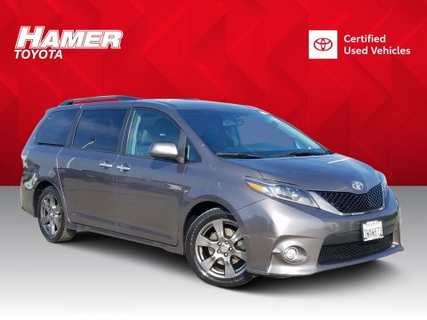 Certified Pre-Owned 2017 Toyota Sienna SE